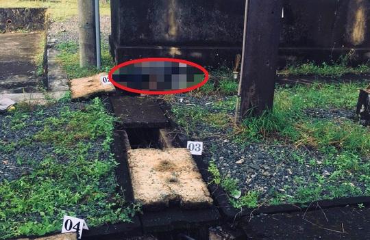 Tá hỏa phát hiện thi thể nam giới ngay trạm điện trung tâm huyện - Ảnh 1.