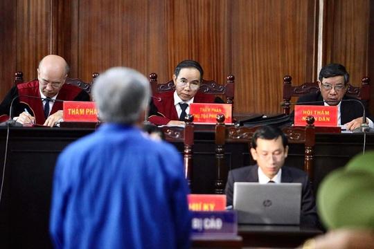 Nhiều lời khai bất ngờ khi xét xử ông Đinh La Thăng và đồng phạm - Ảnh 3.