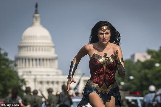Bom tấn Wonder Woman 1984 sắp đổ bộ rạp Việt - Ảnh 1.