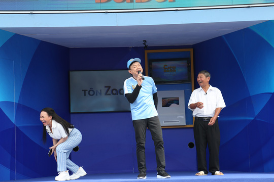Xúc động hình ảnh cuối cùng của nghệ sĩ Chí Tài trong show truyền hình giúp người bất hạnh đổi đời - Ảnh 7.