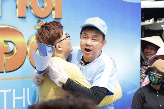 Xúc động hình ảnh cuối cùng của nghệ sĩ Chí Tài trong show truyền hình giúp người bất hạnh đổi đời - Ảnh 5.