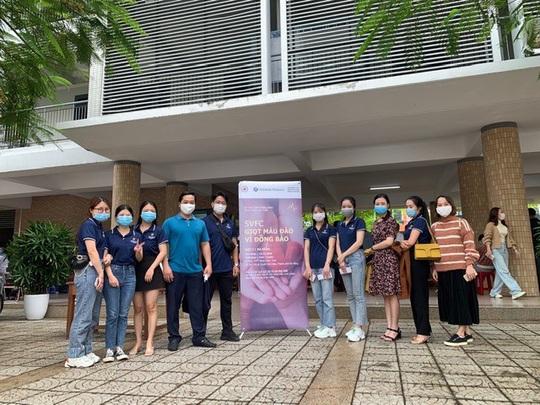 Nhân viên Shinhan Finance hiến máu giữa bối cảnh máu khan hiếm tại Đà Nẵng - Ảnh 1.