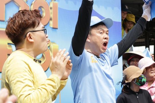 Xúc động hình ảnh cuối cùng của nghệ sĩ Chí Tài trong show truyền hình giúp người bất hạnh đổi đời - Ảnh 1.