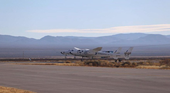 Tàu du lịch không gian bay nửa đường phải quay về vì mất lửa - Ảnh 2.
