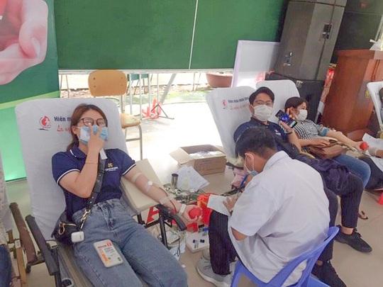 Nhân viên Shinhan Finance hiến máu giữa bối cảnh máu khan hiếm tại Đà Nẵng - Ảnh 3.