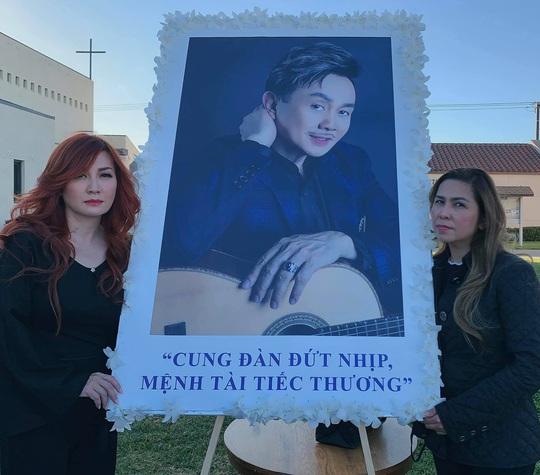 Con gái nghệ sĩ Việt Hương thay mẹ đến viếng cố nghệ sĩ Chí Tài - Ảnh 4.