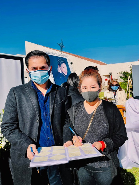 Con gái nghệ sĩ Việt Hương thay mẹ đến viếng cố nghệ sĩ Chí Tài - Ảnh 5.