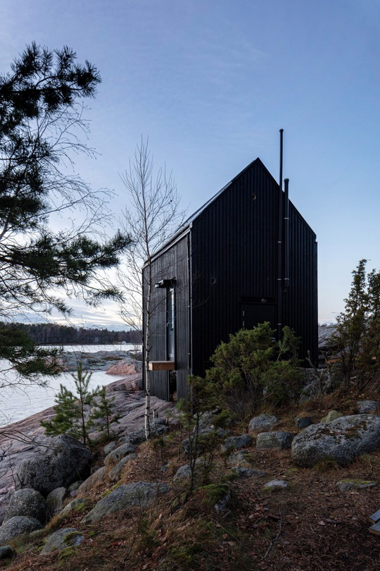 Ngôi nhà xinh xắn với công nghệ xanh nằm cheo leo bên bờ biển - Ảnh 3.