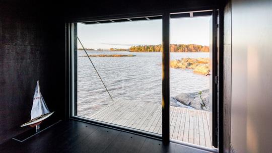 Ngôi nhà xinh xắn với công nghệ xanh nằm cheo leo bên bờ biển - Ảnh 5.