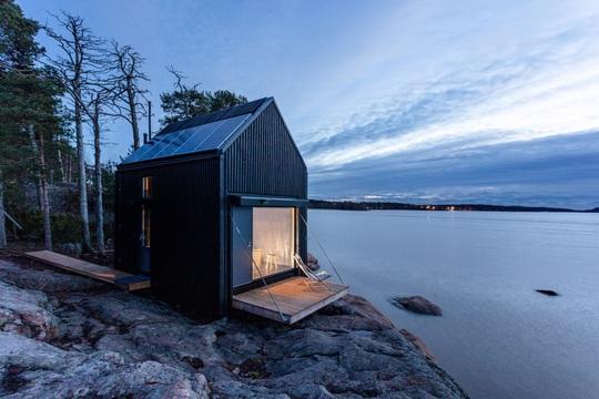 Ngôi nhà xinh xắn với công nghệ xanh nằm cheo leo bên bờ biển - Ảnh 6.