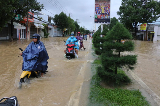 Khánh Hòa: 6 người chết và mất tích do mưa lũ - Ảnh 2.