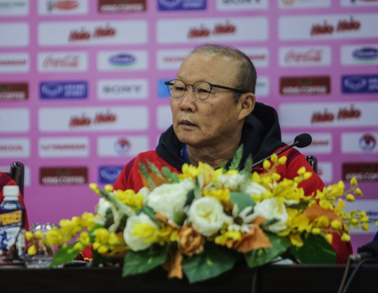 HLV Park Hang-seo nói chưa biết ai hơn ai trước trận tuyển Việt Nam - U22 Việt Nam - Ảnh 1.