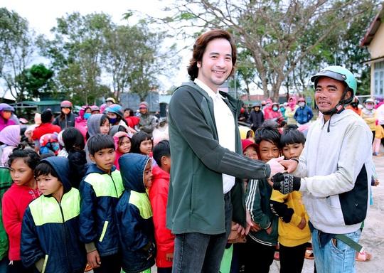 Trái tim nhân ái trao quà cho bà con nghèo tại tỉnh Đắk Nông - Ảnh 3.