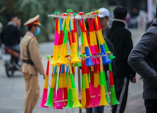 CLIP: Quang Hải không đá chính, vắng cổ động viên trận đội tuyển Việt Nam - U22 - Ảnh 5.