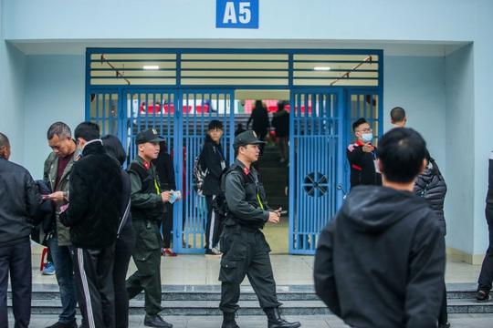 CLIP: Quang Hải không đá chính, vắng cổ động viên trận đội tuyển Việt Nam - U22 - Ảnh 7.