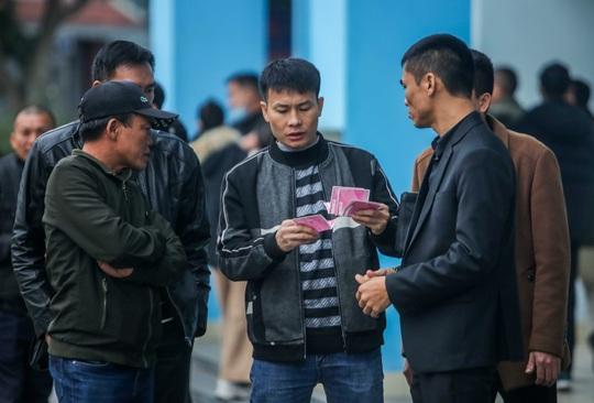 CLIP: Quang Hải không đá chính, vắng cổ động viên trận đội tuyển Việt Nam - U22 - Ảnh 9.