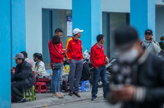 CLIP: Quang Hải không đá chính, vắng cổ động viên trận đội tuyển Việt Nam - U22 - Ảnh 12.