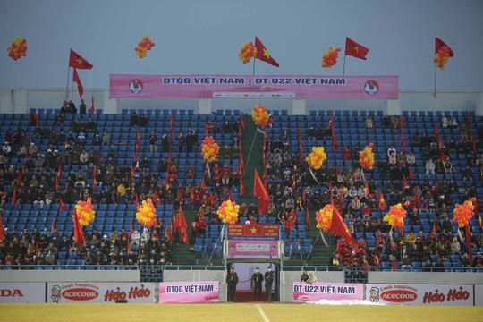 CLIP: Quang Hải không đá chính, vắng cổ động viên trận đội tuyển Việt Nam - U22 - Ảnh 14.