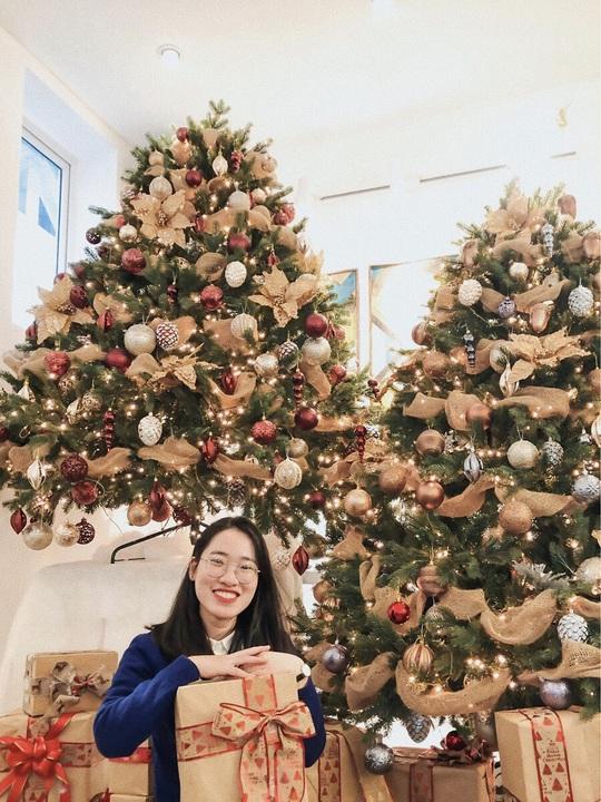 Check-in 8 quán cà phê đẹp mùa Giáng Sinh - Ảnh 2.