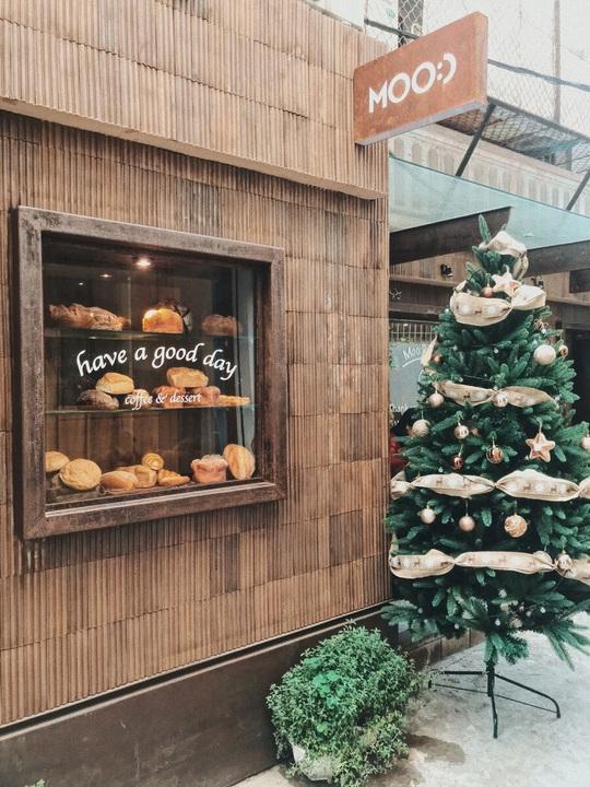 Check-in 8 quán cà phê đẹp mùa Giáng Sinh - Ảnh 3.