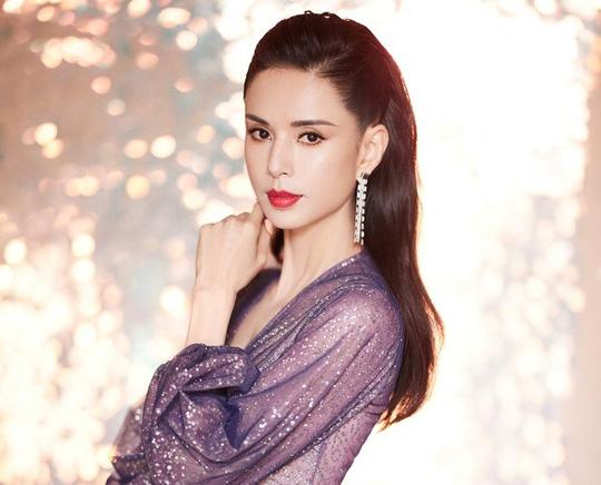 54 tuổi, nữ thần nhan sắc Lý Nhược Đồng đẹp ăn đứt đàn em - Ảnh 4.