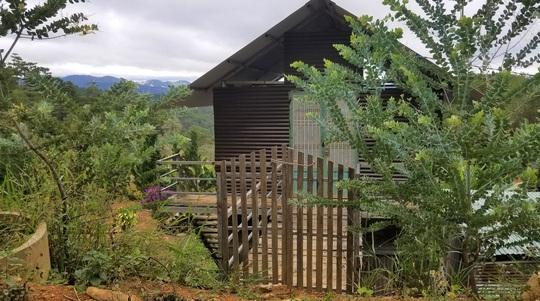 Hàng chục căn nhà trái phép mọc lên sát núi Voi ở Lâm Đồng - Ảnh 6.