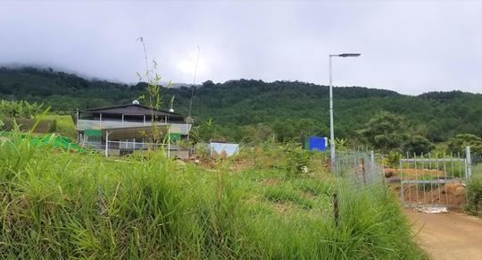 Hàng chục căn nhà trái phép mọc lên sát núi Voi ở Lâm Đồng - Ảnh 7.