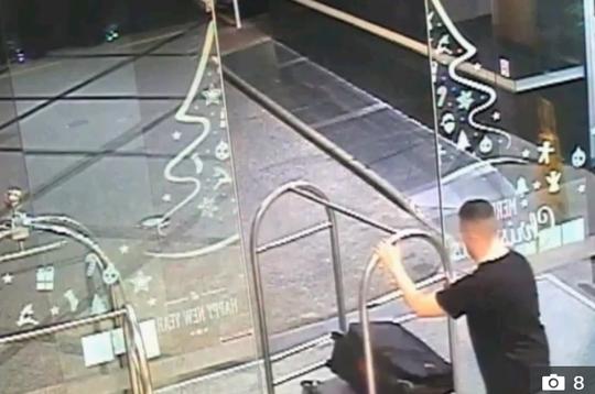 Rùng mình cảnh tên giết người xách vali chứa xác bạn gái ở New Zealand - Ảnh 3.