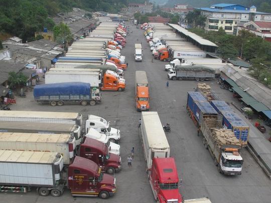 Hải quan sẽ bán đấu giá 100 xe tải hàng vô chủ - Ảnh 1.