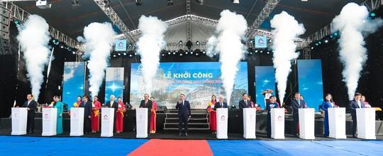 Dự án Trung tâm thương mại Đồng Xoài - The Light City chính thức được khởi công - Ảnh 1.
