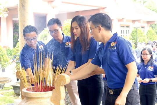 Giáo dục truyền thống qua Hội trại truyền thống Lá Trung Quân - Ảnh 2.