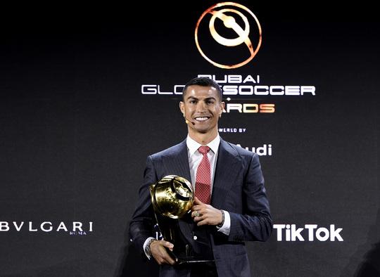 Cầu thủ xuất sắc nhất thế kỷ Ronaldo tiết lộ bí quyết đá bóng đến tuổi 40 - Ảnh 3.