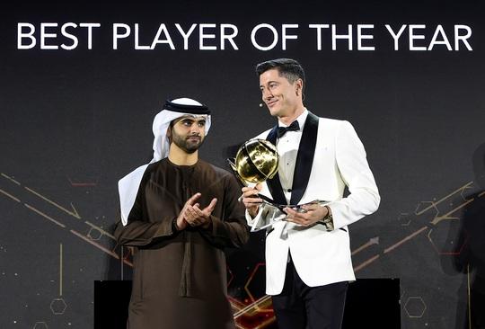 Cầu thủ xuất sắc nhất thế kỷ Ronaldo tiết lộ bí quyết đá bóng đến tuổi 40 - Ảnh 4.