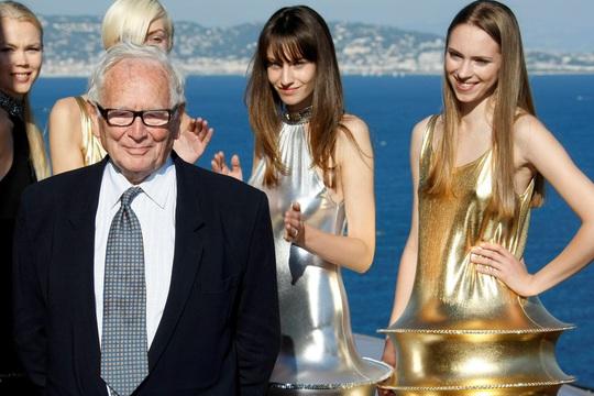 Nhà thiết kế danh tiếng Pierre Cardin qua đời - Ảnh 2.