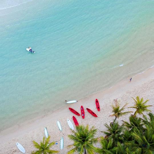 Đảo ngọc bước vào mùa đẹp nhất năm, dân du lịch, giới đầu tư đều phát sốt - Ảnh 1.