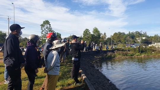 Thả lưới đánh cá, tá hỏa với thi thể đàn ông trên hồ - Ảnh 2.