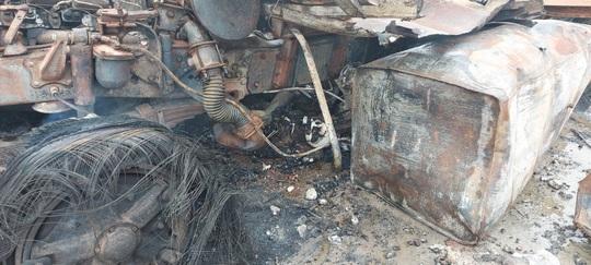 Hiện trường vụ cháy nổ kinh hoàng khiến 8 người thương vong - Ảnh 5.