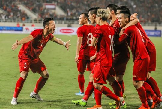 Khả năng dời lịch trận giao hữu đội tuyển Việt Nam - U22 Việt Nam trên sân Thống Nhất - Ảnh 1.