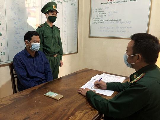 Người đàn bà bí mật bên trong cabin xe Container từ Lào về Việt Nam - Ảnh 2.