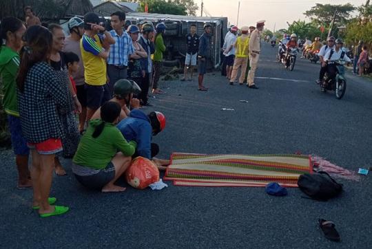 Nam sinh lớp 7 bị xe tải tông chết trên đường đến trường - Ảnh 1.
