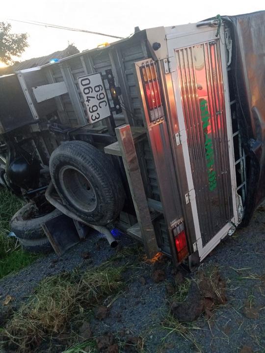 Nam sinh lớp 7 bị xe tải tông chết trên đường đến trường - Ảnh 2.