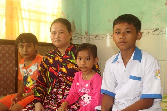 Trao hơn 42 triệu đồng cho 3 gia đình ở Bạc Liêu và Sóc Trăng - Ảnh 2.