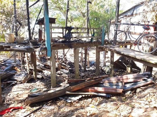 Phát hiện một thi thể trong căn nhà cháy rụi - Ảnh 1.