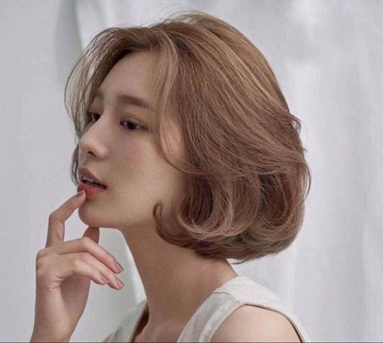 4 kiểu tóc giúp chị em ăn gian chiều cao hiệu quả - Ảnh 1.