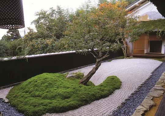 Nghệ thuật mô phỏng trong vườn Thiền - Ảnh 1.