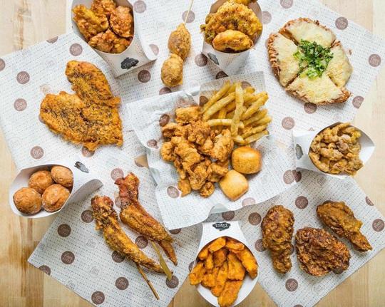 Thị trường gà rán 2020: Vị Tây đấu vị Đông - Ảnh 4.