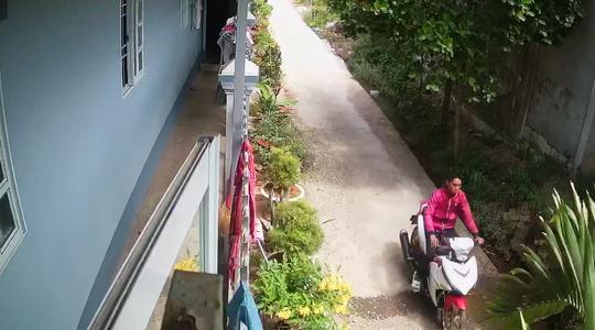 CLIP: Siêu trộm liên tỉnh 20 tuổi sa lưới nhờ camera an ninh của người dân - Ảnh 3.
