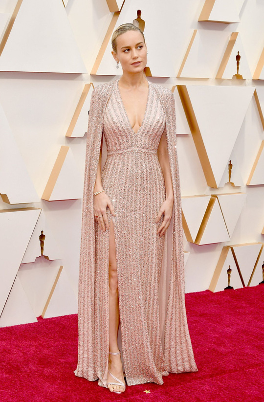 Học sao Hollywood chọn váy đi dự tiệc - Ảnh 10.