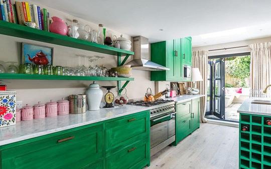 Những gam xanh tối màu tuyệt đẹp cho căn bếp hiện đại - Ảnh 1.