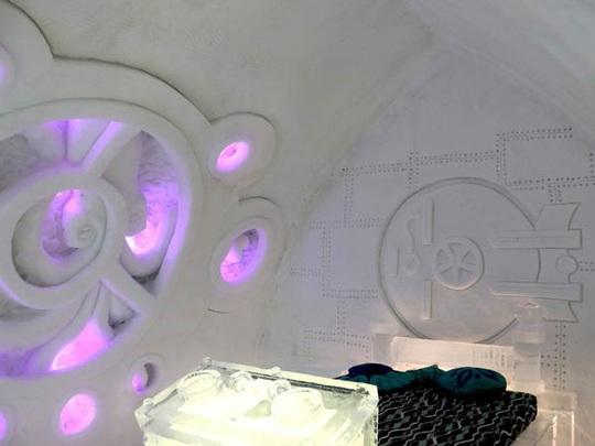 Bên trong khách sạn được xây hoàn toàn bằng băng tuyết - Ảnh 2.